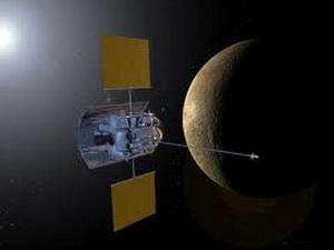 Tàu thăm dò Messenger tiếp cận Sao Thủy. (Nguồn: Internet)